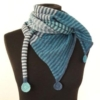 Stribet tørklæde med cirkler - strikkeopskrift